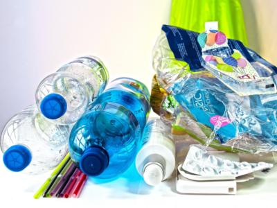 Deplastic: idee e azioni per salvare l'ambiente dai rifiuti plastici